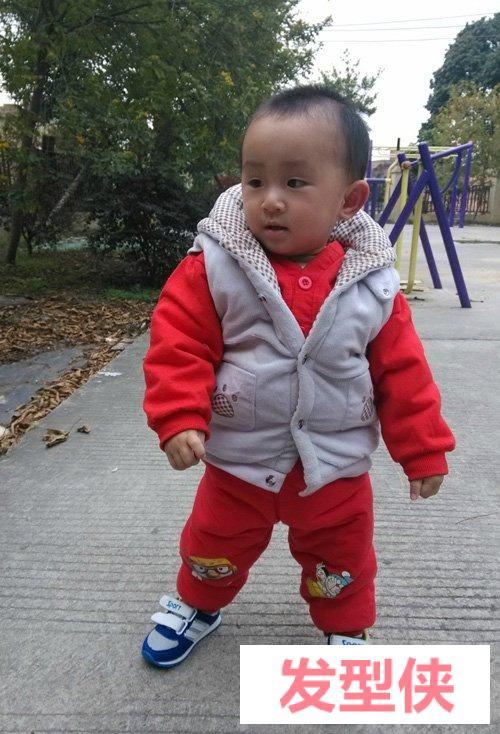 一岁男宝宝超适合剪的短头造型 修剪乖巧可人小孩子短头发设计